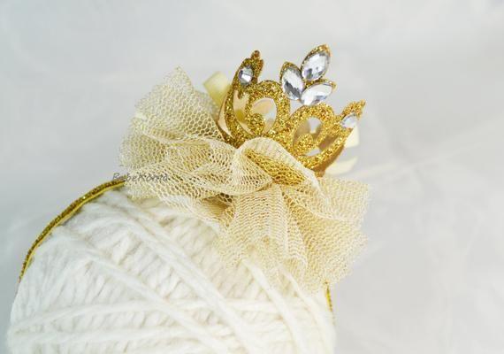 Gold glitter crown, crown headband, gold crown headband, glitter crown headband, birthday girl crown, baby crown headband, newborn headband #crownheadband
