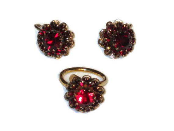 Sarah Coventry Jewelry Set Dark Red Garnet Rhinestone And Gold Tone Ring Clip Earrings Vintage