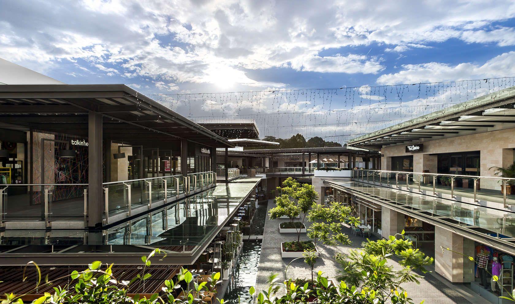 Ubicado en unas de las zonas mas activas y productivas de for Concepto de arquitectura