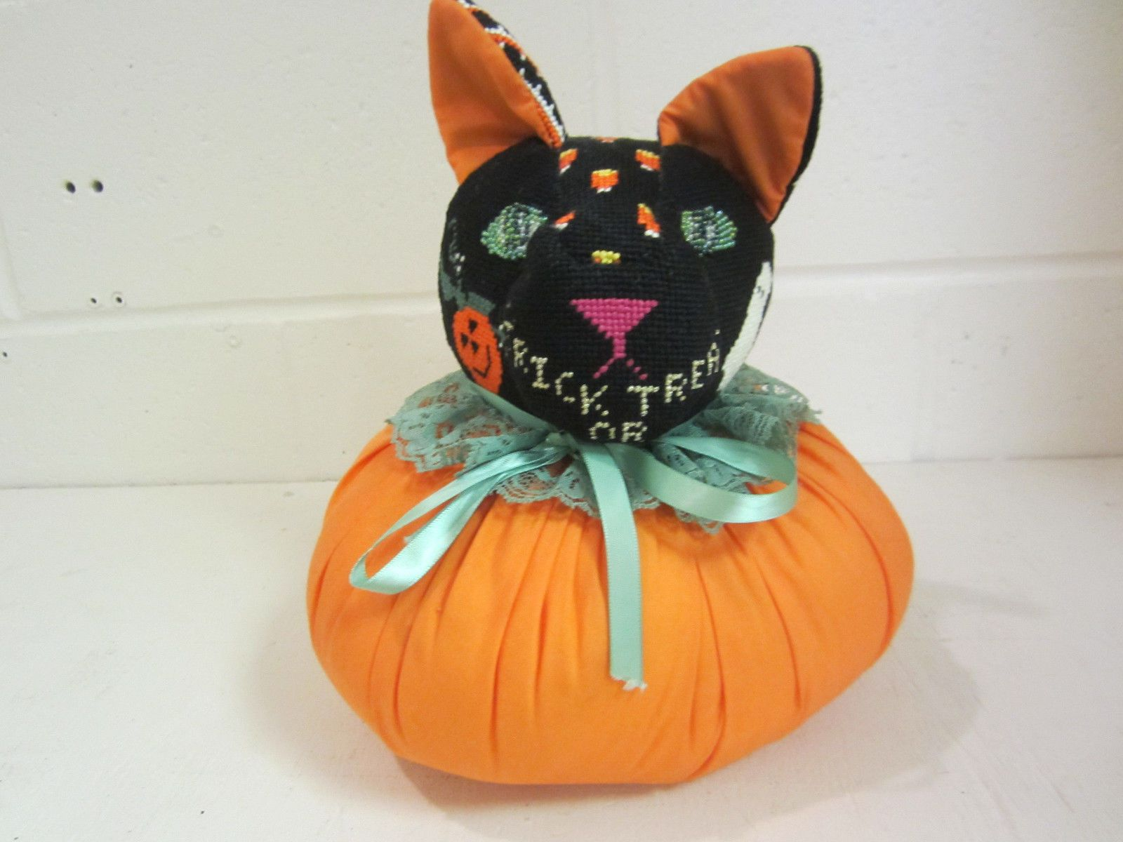 Needlepoint Halloween Black Cat with Mask and Pumpkin Stands Up (Finished) | eBay