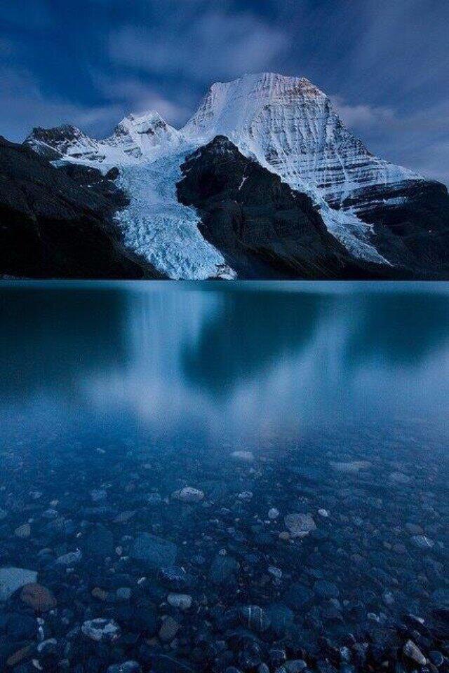 Mount Robson, British Columbia, Canada.
