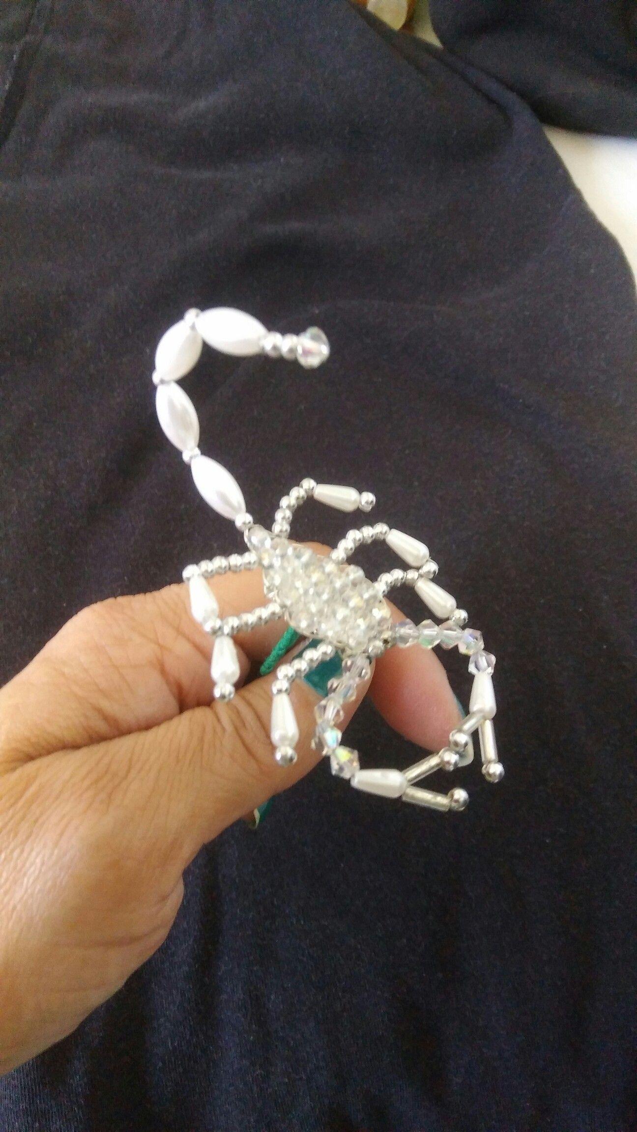 Pin von Marisol Díaz auf Tembleques | Pinterest | Skorpion, Perlen ...