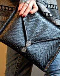 Classy Leather Envelope Clutch FREE Pattern - https://sewing4free.com/classy-leather-envelope-clutch-free-pattern/