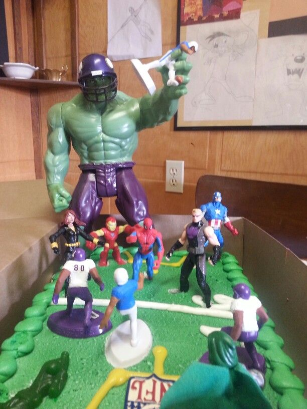 Avenger / football cake Quickly done