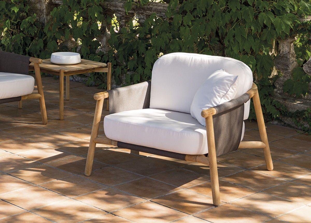 Zian Club Chair In 2020 Garden Furniture Design Contemporary Outdoor Furniture Outdoor Armchair