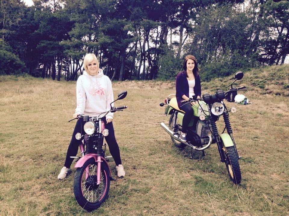 Girls with pink Simson S51 and green MZ ETZ biking