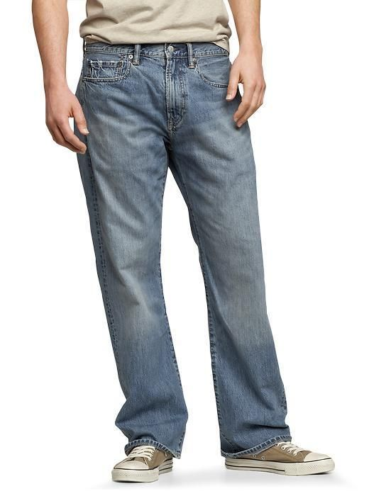 5e5e5ce15dc7 GAP MEN S 1969 LOOSE FIT JEAN IN PALE BLUE WASH