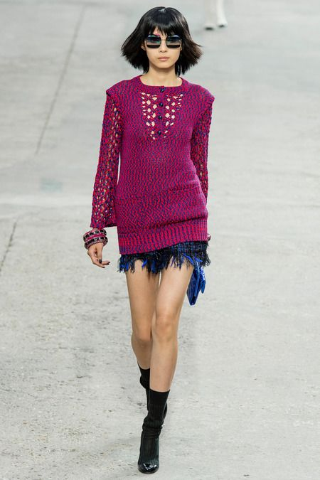 I want these shoe socks!!!!!             http://www.style.com/fashion-shows./spring-2014-ready-to-wear/paris/chanel/collection/CHA_0561.450x675.JPG