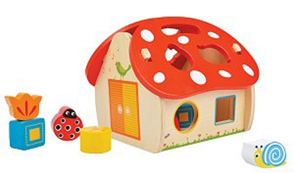 New Classic Toys House shape sorter with 8 charming shapes and patterned pieces:  butterfly, circle, ladybird, flower, triangle, snail, square and  pentagon shapes. Suitable from 12 months  http://www.4littlepeople.co.uk/shape-sorter-wooden-house/