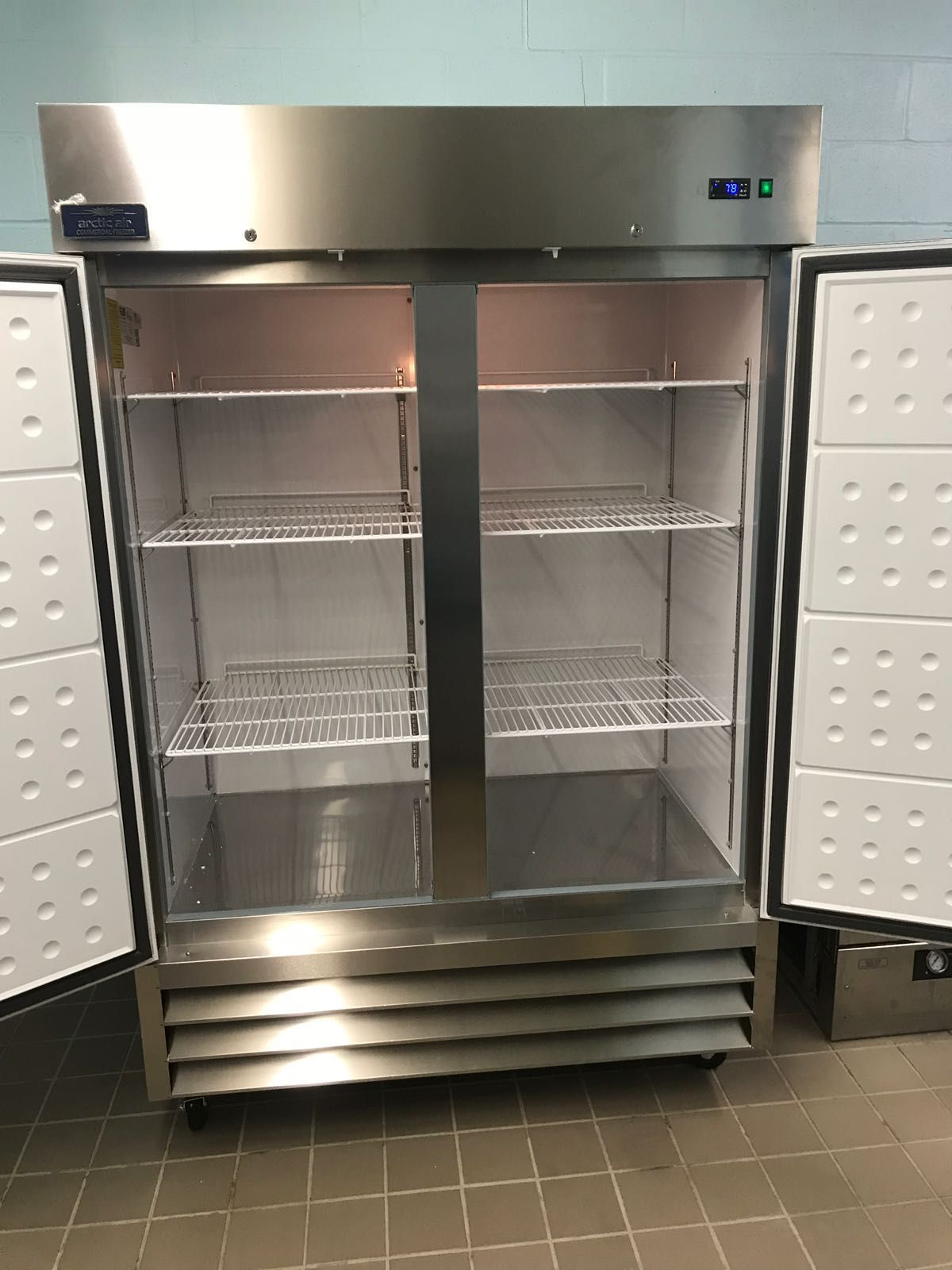 Looking for a commercial freezer? Try an Arctic Air unit