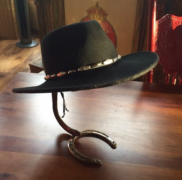 Custom Crafted Horseshoe Cowboy Hat Stand Stands 13 Tall Rustic Copper Tone Calzas