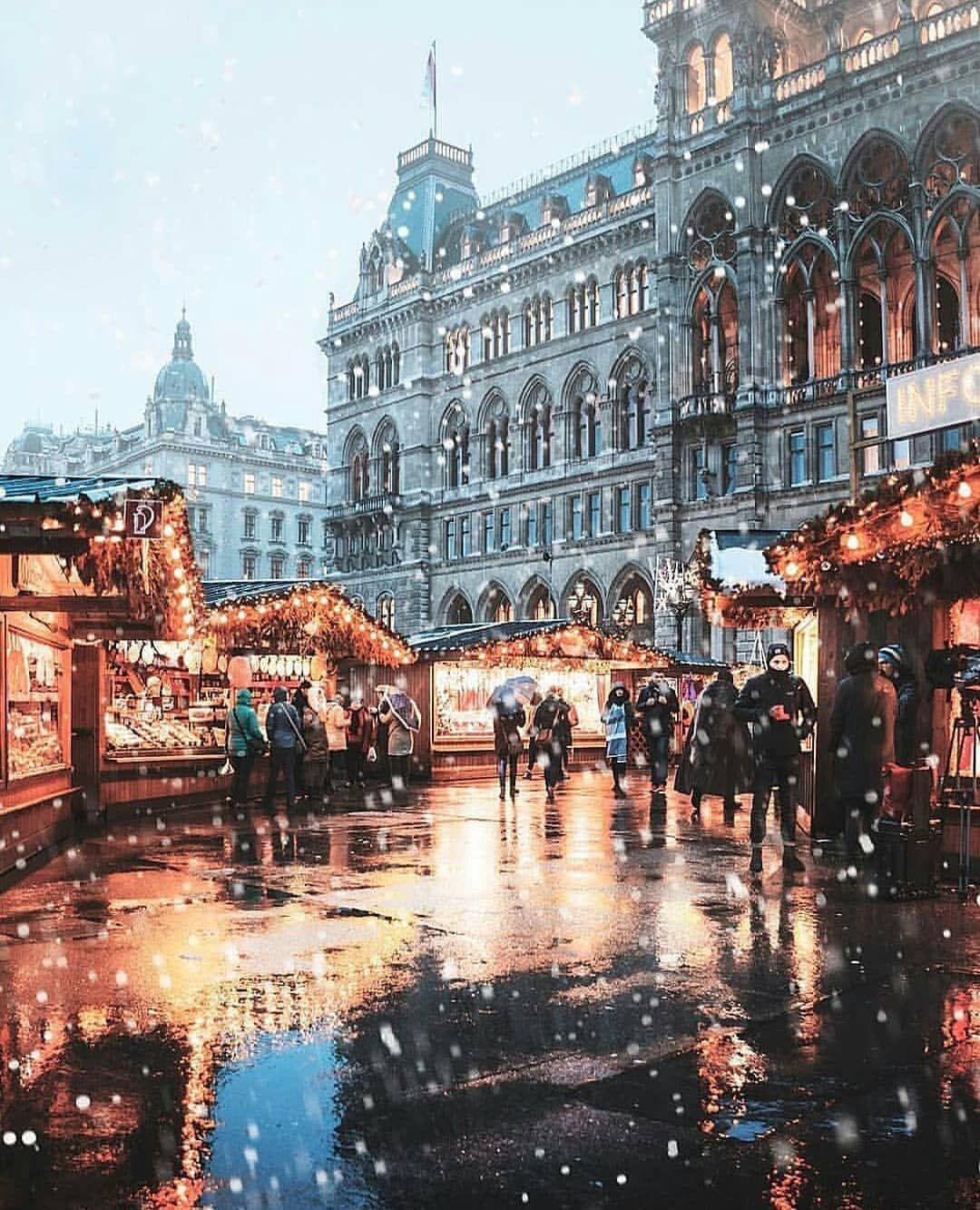 "Living Destinations auf Instagram: ""Magical atmosphere ? ~ Vienna, Austria …"