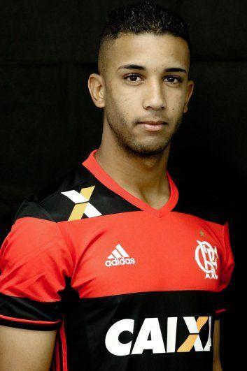 Números de Jorge pelo Flamengo:  64 Jogos Oficiais 5 Gols 5 Assistências 13 Cartões Amarelos e 1 Vermelho
