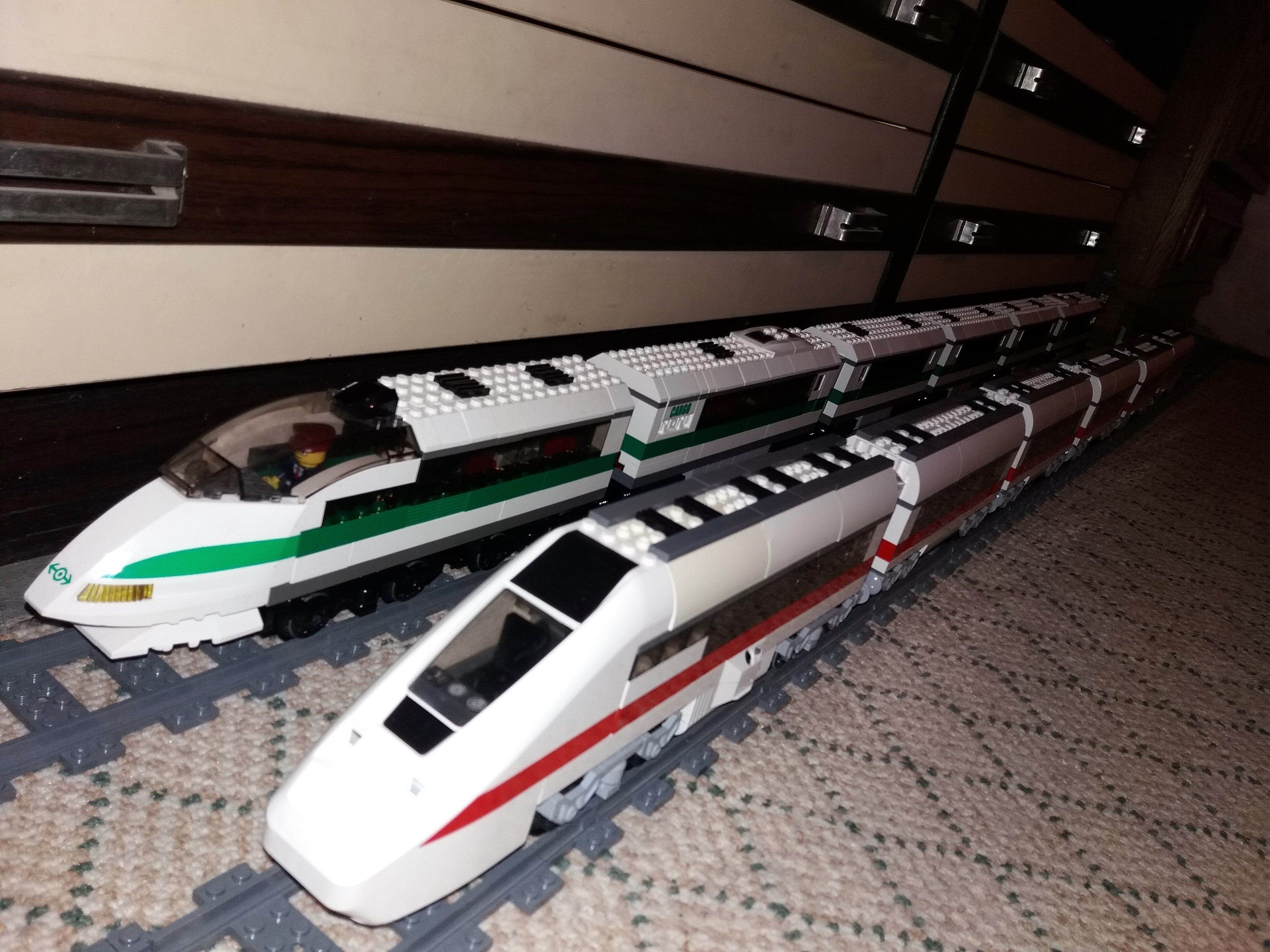 Lego City 7897 Passanger Train Lego World City 4511 High Speed