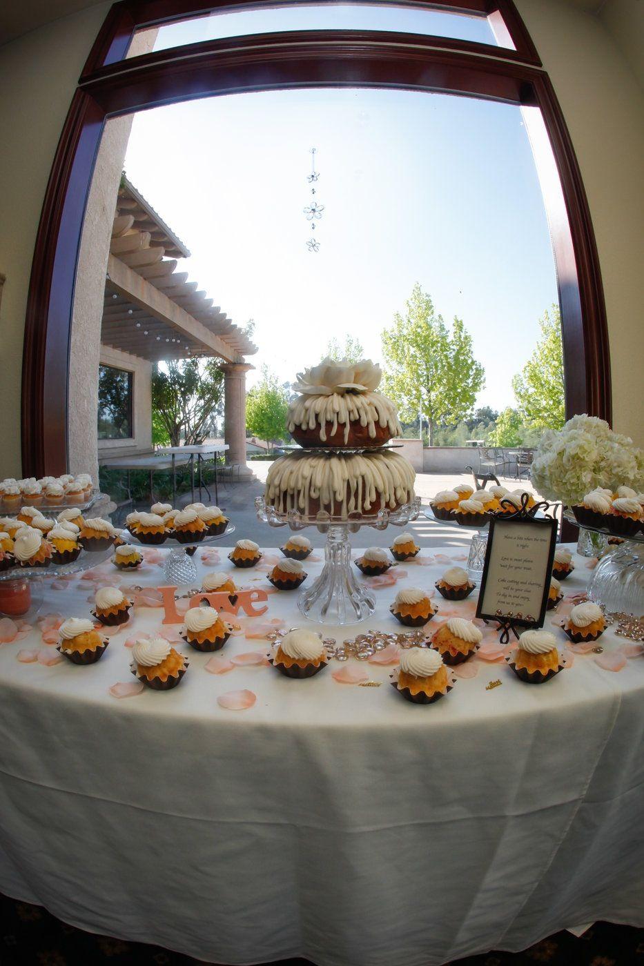 Bundt cake buntinis for wedding nothing bundt cakes
