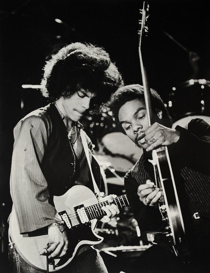MINNEAPOLIS, MN - JANUARY 5: The musician Prince (L) is shown in concert with guitarist Dez Dickerson in his first public concert at the Capri Theater on January 5, 1979 in Minneapolis, MN. (Photo by Gene Sweeney Jr/Getty Images)