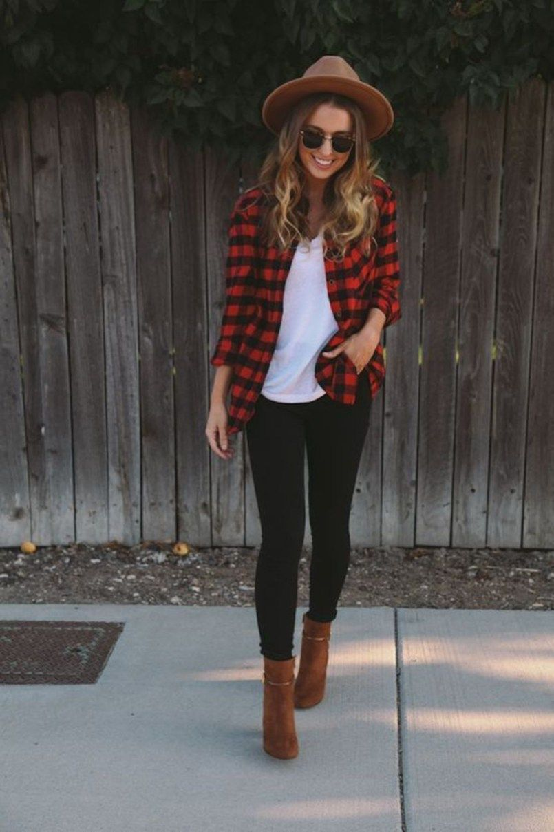 Red flannel vest womens   Awesome Winter Outfits To Inspire You  Keeper  Pinterest