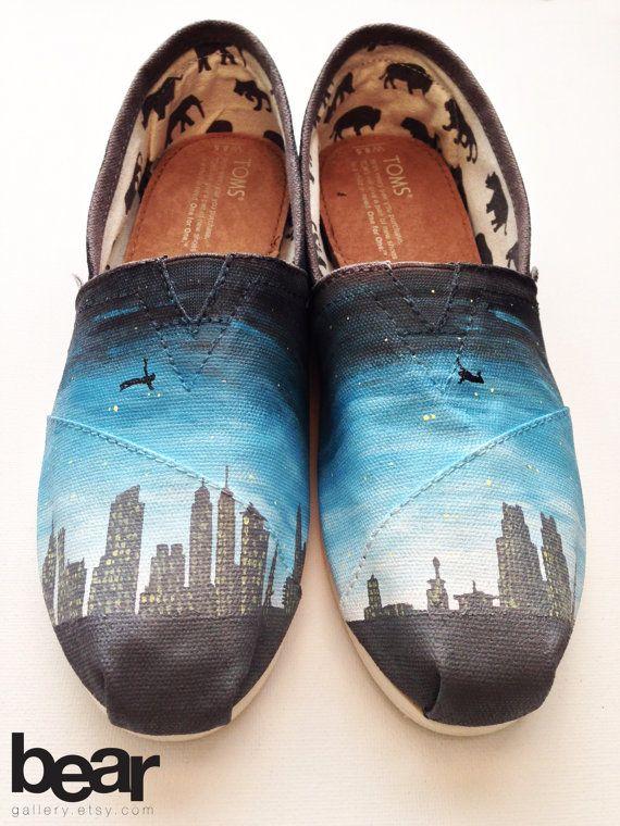 85bbe30e1833 Custom TOMS Hand Painted Shoes Philadelphia Skyline by BearGallery ...
