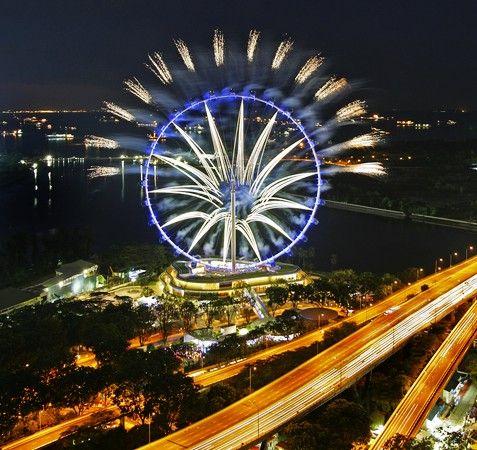 世界最高的摩天輪-新加坡飛行者