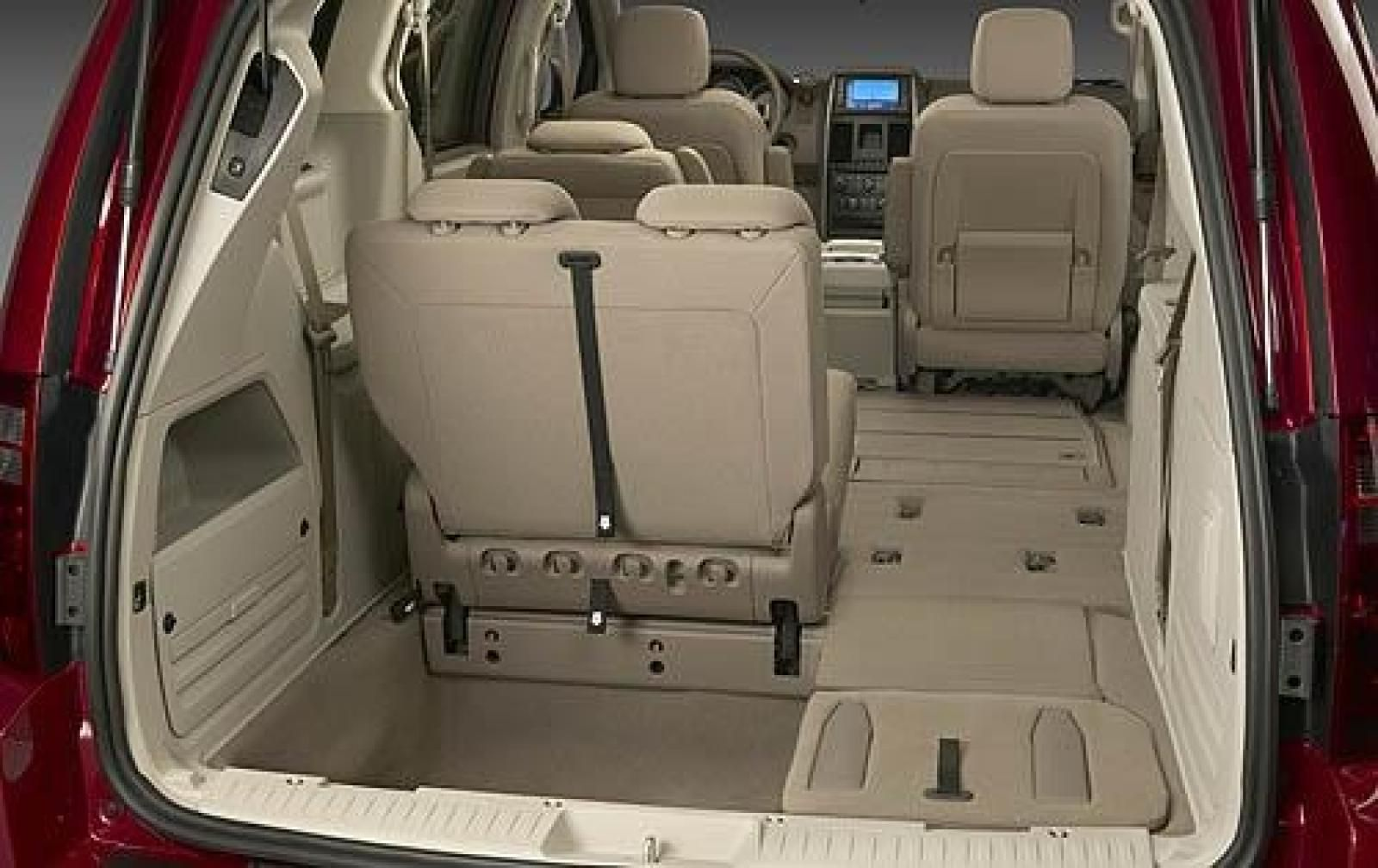 Image Result For Chrysler Voyager Makeover Interior Grand Caravan Chrysler Grand Caravan Chrysler Town And Country