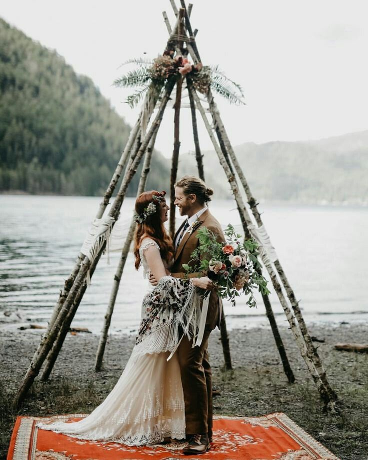 Wedding Altar Branches: Arch + Backdrop {Inspiration} In