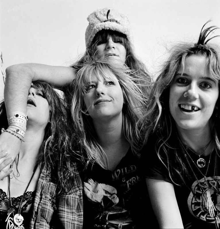 L7, Seattle,1989. Photography by Charles Peterson.