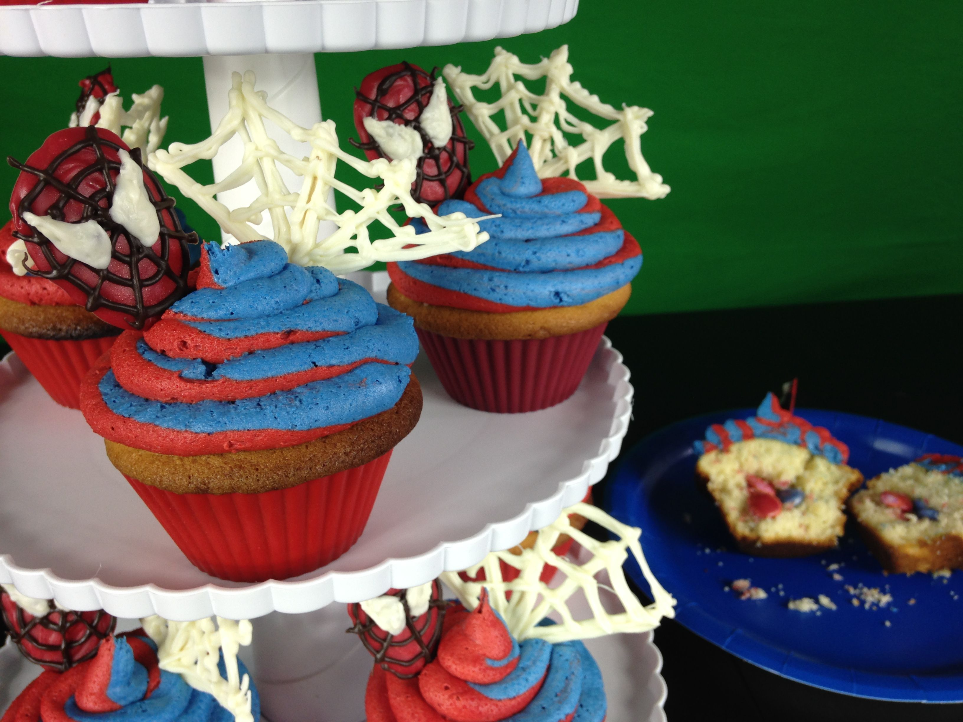 How To Make Spiderman Homecoming Cupcakes Surprise Inside