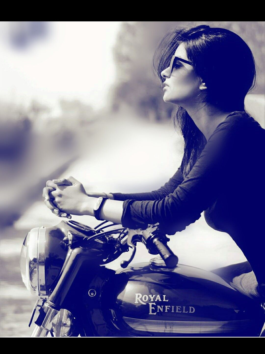 @AMAN❤ Motorcycle Posters, Motorcycle Humor, Motorcycle Style, Girl Riding  Motorcycle,