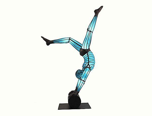Figurative glass sculptures by David Bennett - NetDost.com