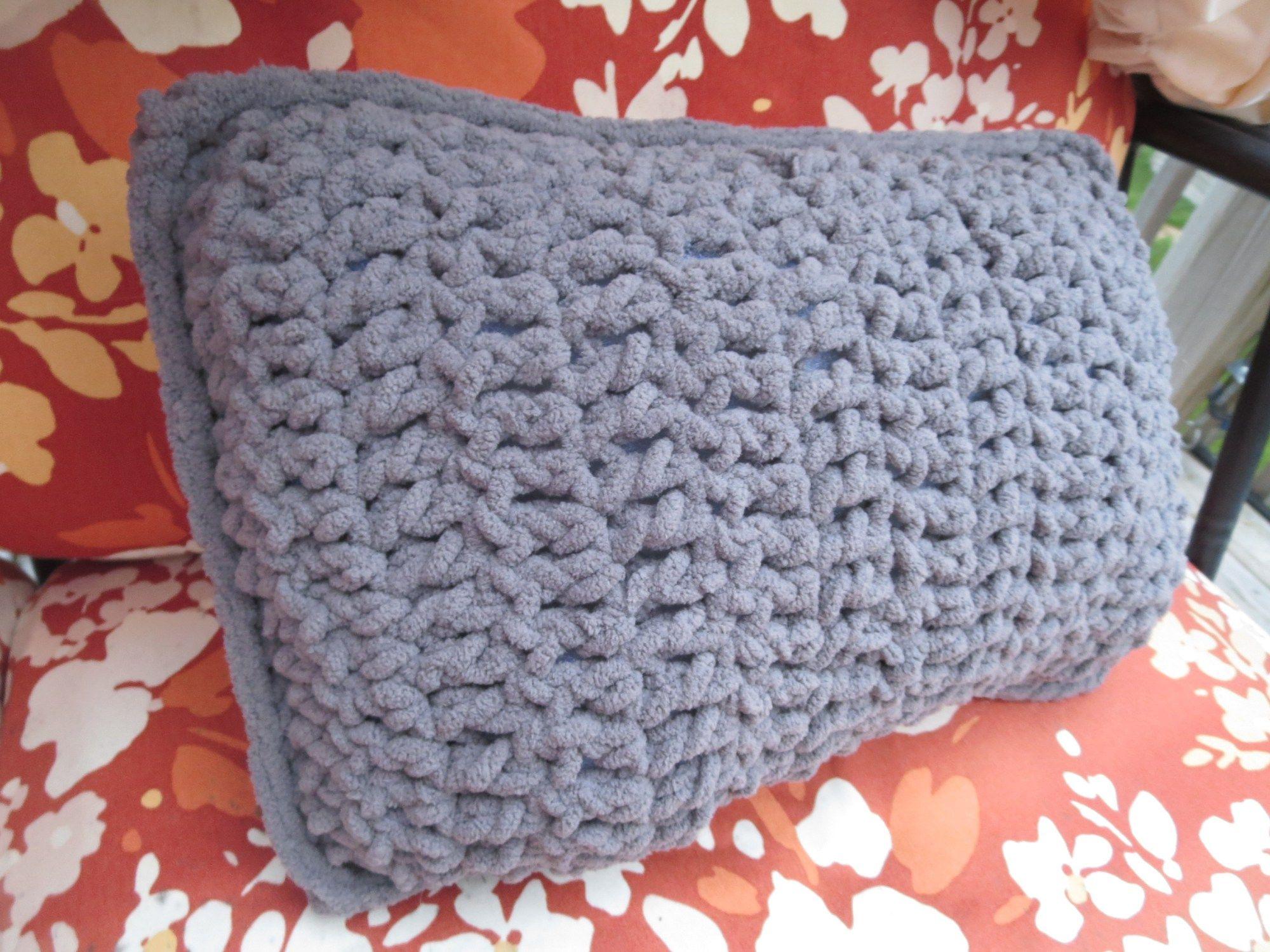 Easy crochet travel pillow - | Easy crochet, Free crochet and Free ...