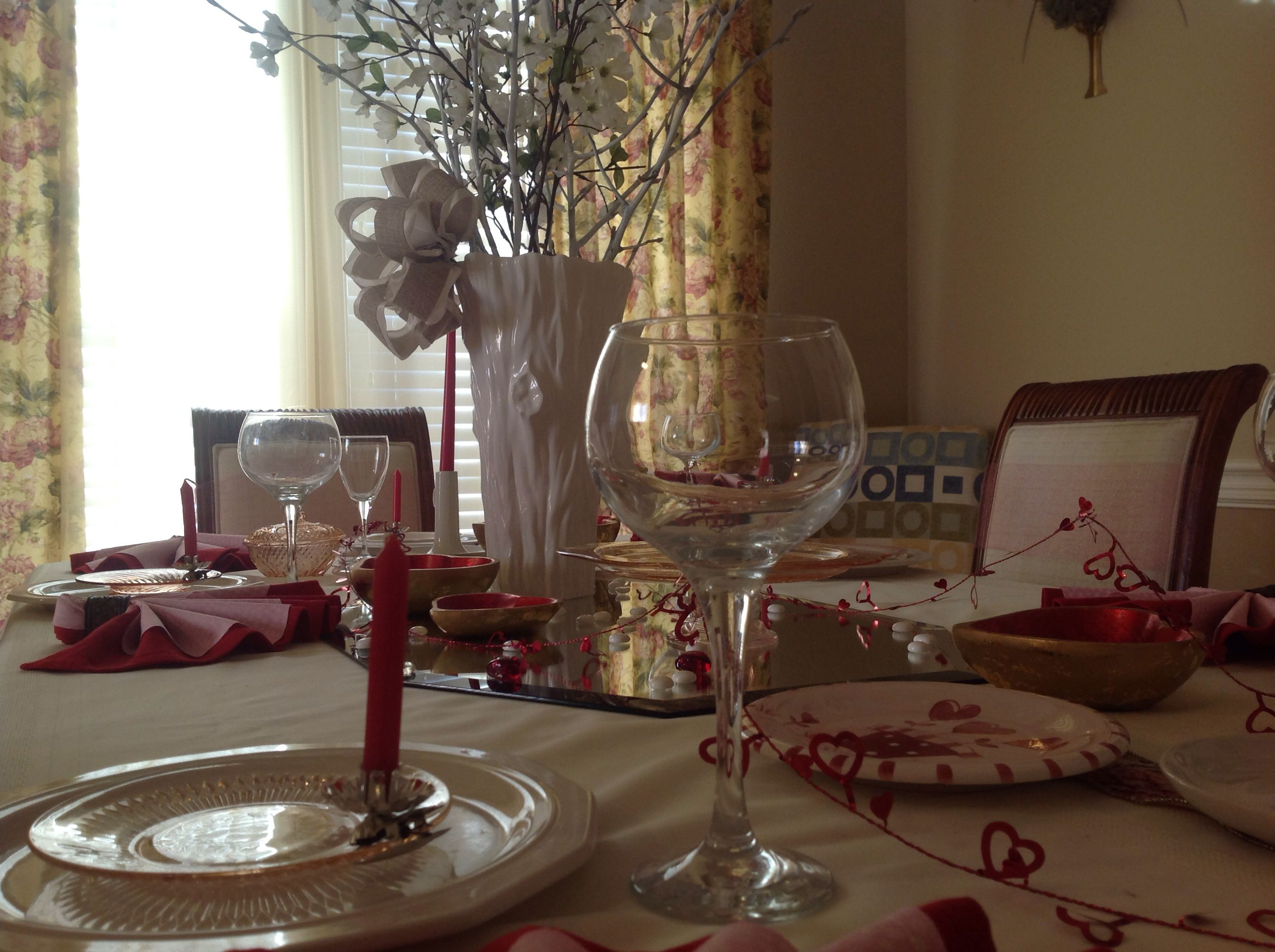 Tablescapes Valentines Day Table Setting