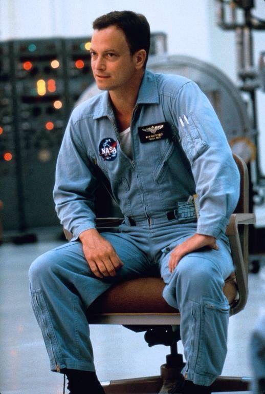 Gary Sinese as Ken Mattingly in movie Apollo 13.   Movies ...