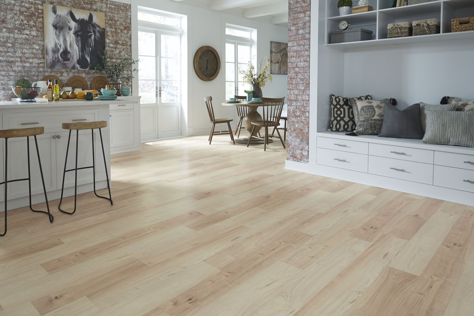 Dream Home Ultra X2o 14mm Pad Select Maple Laminate Offers The Authentic Hardwood Looks Easy Installation And Durability That