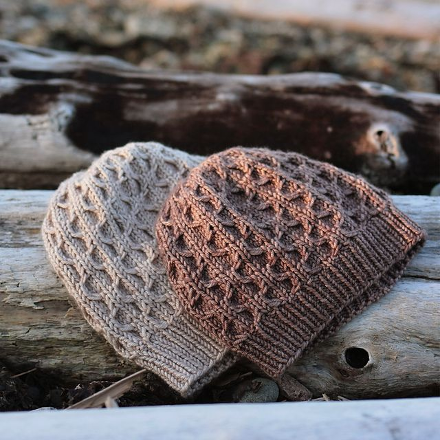 Ravelry: Light and Shadow pattern by tincanknits