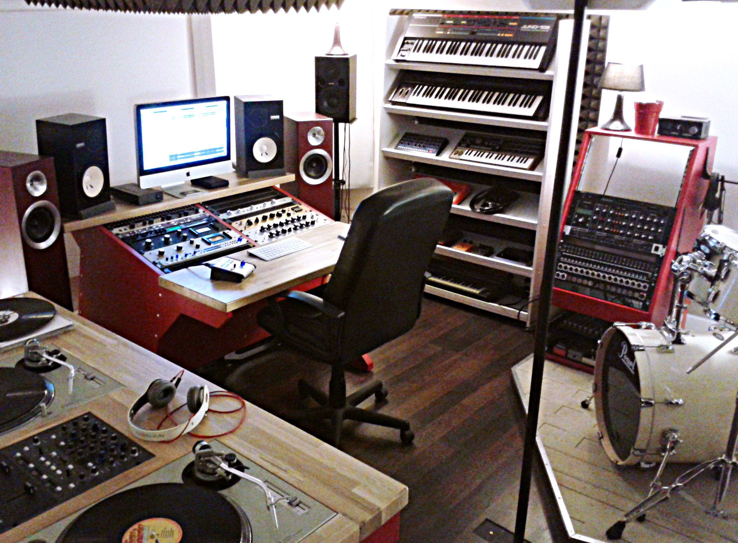pingl par tedire sur studios enregistrement id es pinterest studio studio enregistrement. Black Bedroom Furniture Sets. Home Design Ideas