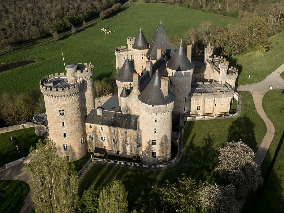 The French Chateau De Chabenet Is A Castle Of The Middle