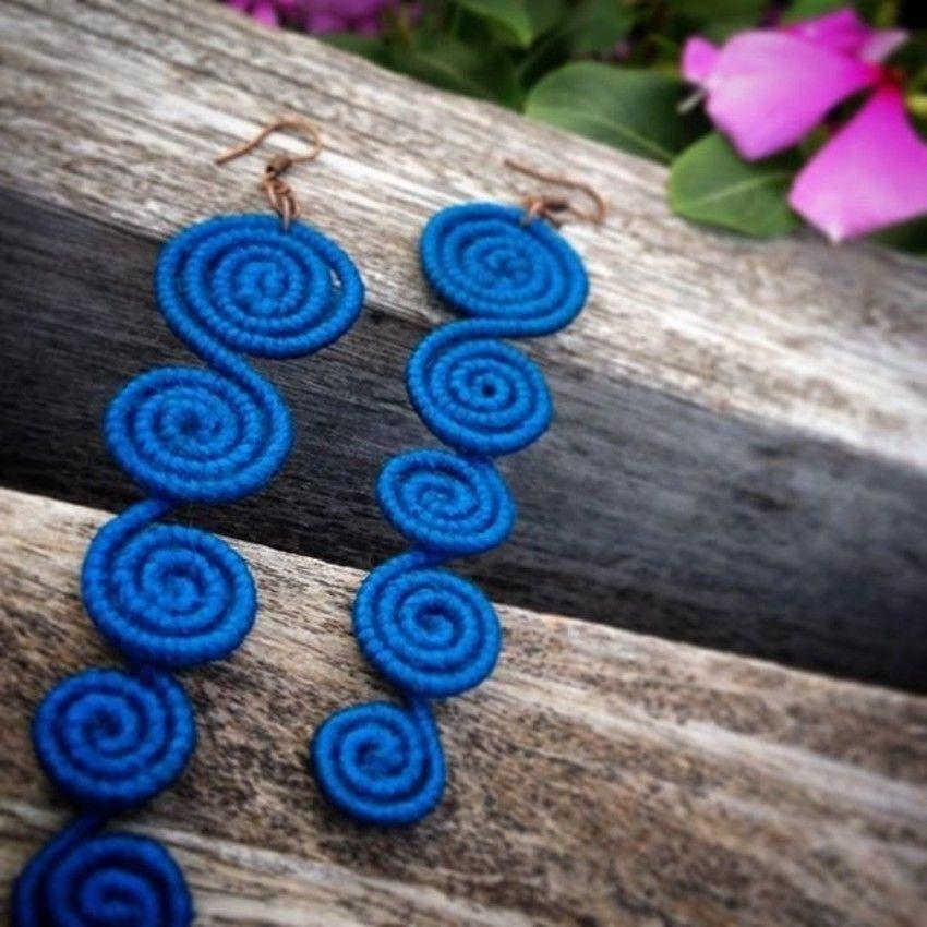 Brincos modelo Yemanjá cor azul Royal