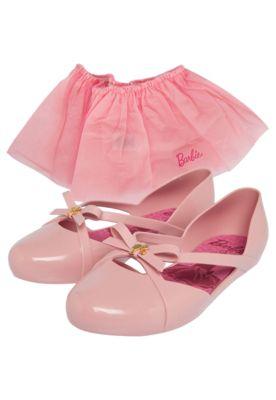 9a5519aaca Sapatilha Grendene Kids Barbie Ballet Rosa. Cabedal polido  Aplique de laço  e pin metálico  Palmilha de EVA  Detalhe fosco nas tiras.