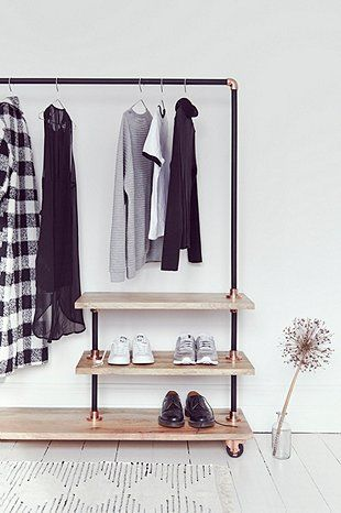 iron and wood clothes rack bed room pinterest tuyau cuivre pipe et tuyau. Black Bedroom Furniture Sets. Home Design Ideas