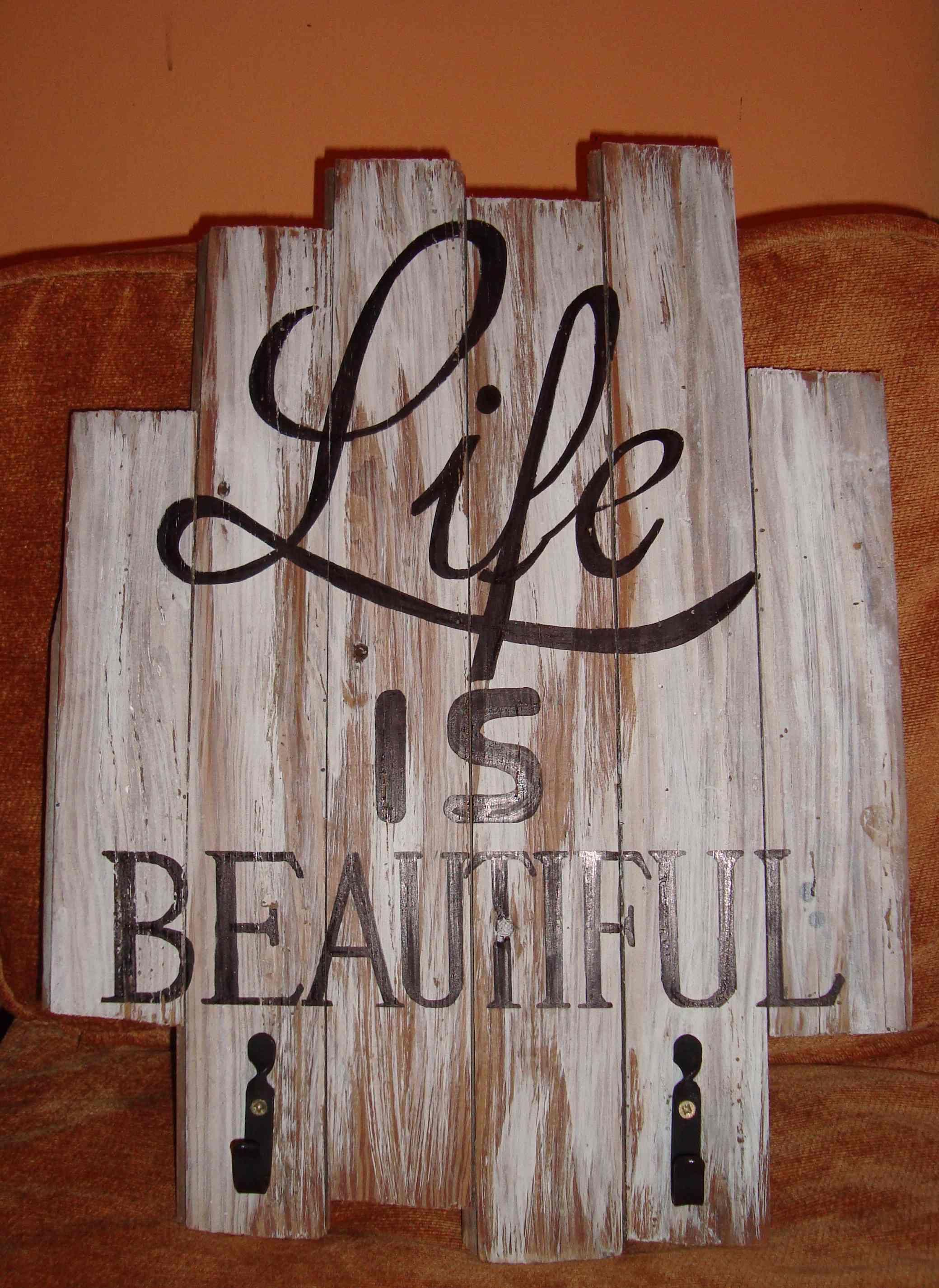 Perchero hecho con tablas de pinotea del a o 1940 - Percheros pared vintage ...