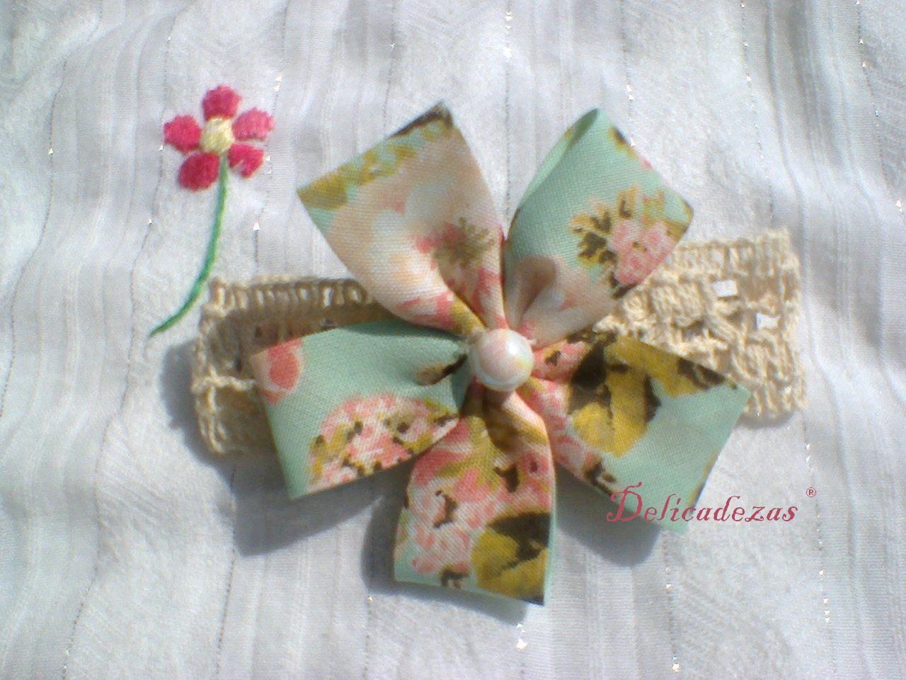 Delicadezas ®. Hebilla francesa decorada. Flor.