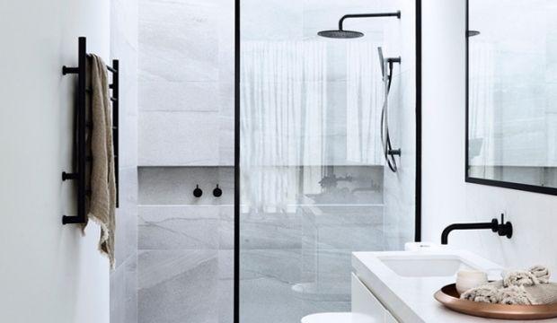 Badkamer Schoonmaak Tips : Tijd voor een grote schoonmaak in de badkamer met deze vier