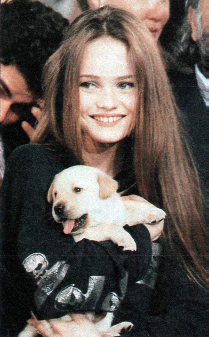 Photo of Vanessa Paradis, striking beauty and much more than the false-looking Amber …..