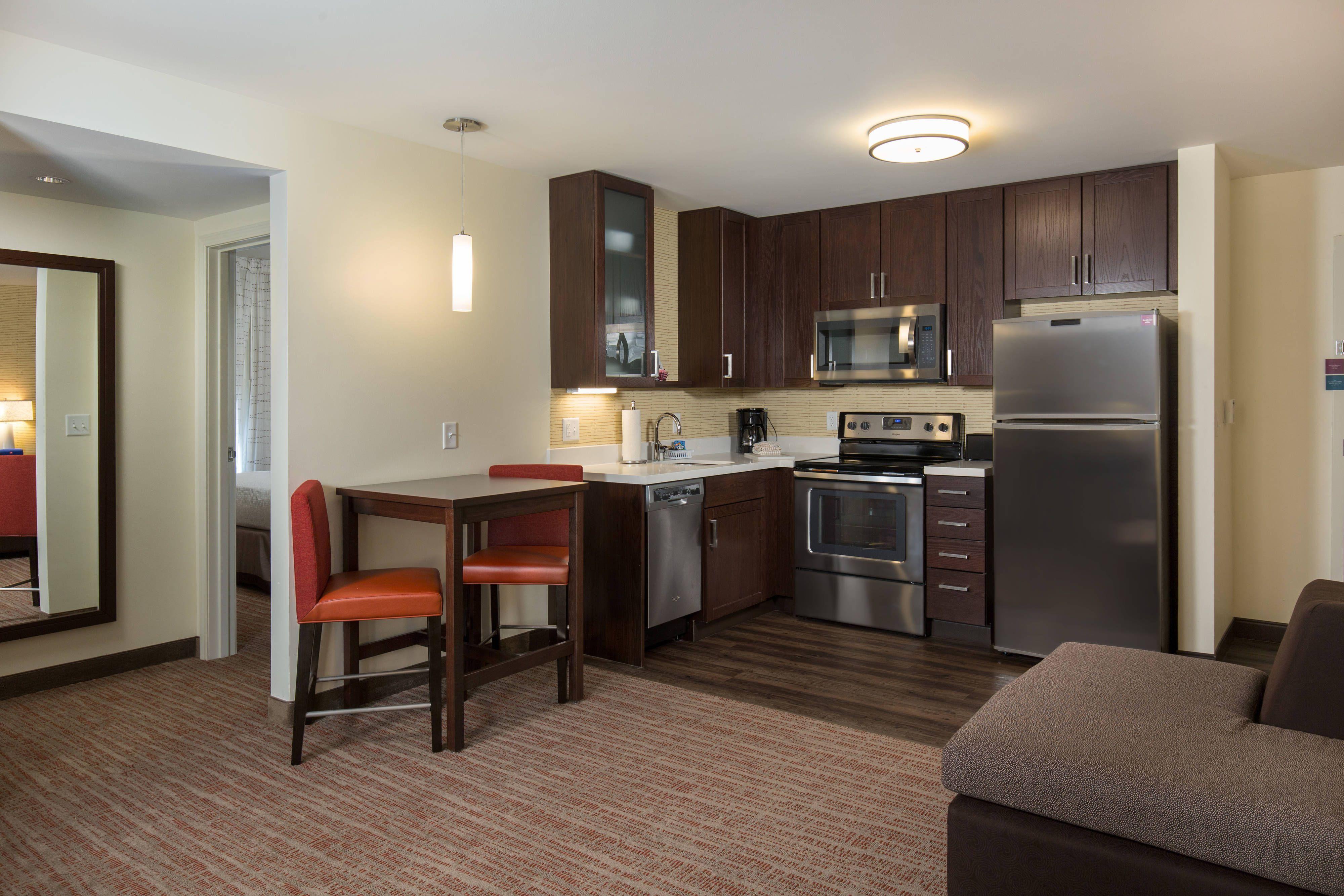 Residence Inn Denver Stapleton One Bedroom Suite Kitchen Comfort Memorable Guestroom Bedroom Suite Residences One Bedroom