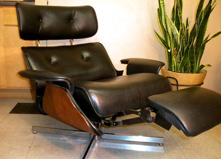 Plycraft Eames Style Recliner With Built In Footrest Den