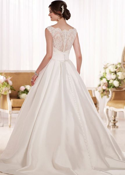 Essense of Australia D1790 (back view) available at Limelight Occasions. #essenseofaustralia #limelightoccasions #classic #ballgown #wedding #bridal