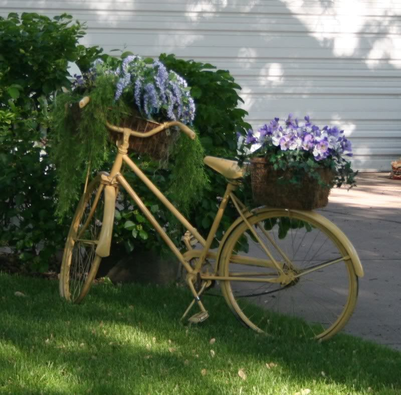 One Old Bike + A Couple Cans Of Spray Paint + Two Baskets, One On. Old BikesYard  OrnamentsYard ...