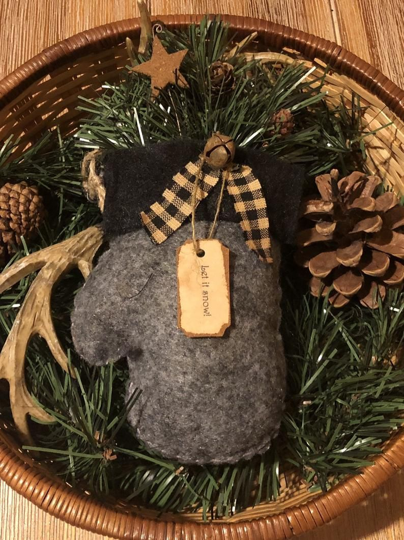 Primitive Winter Mitten Christmas Tree Ornament / Bowl