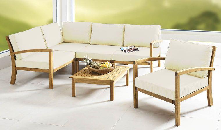 Une Table De Salon Avec Une Palette Vous D Tournez Des Objets Du