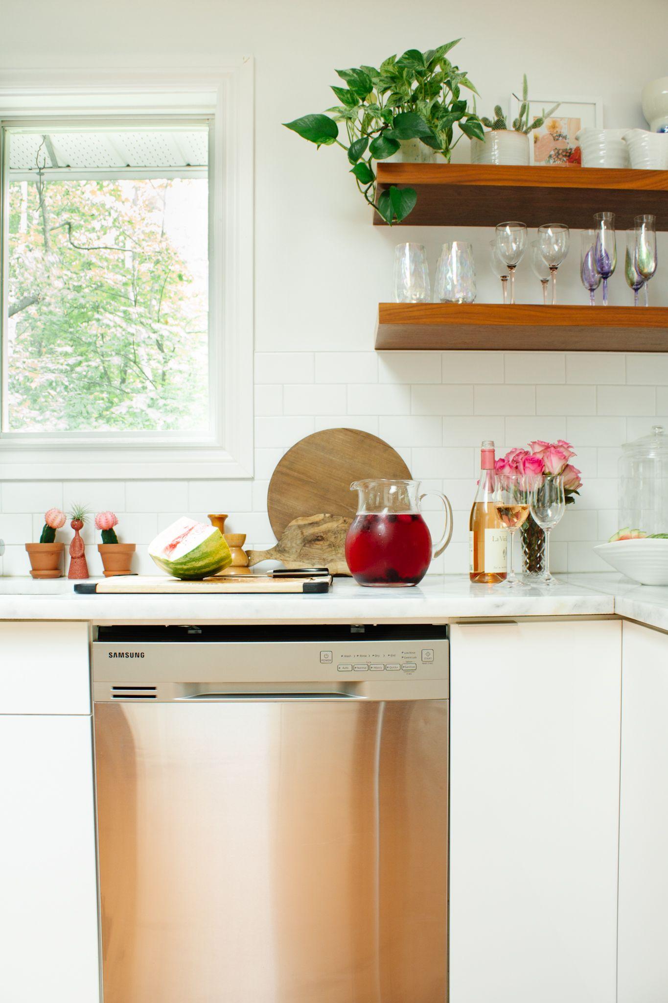 Dw80n3030us Dishwasher With Third Rack Dw80n3030us Aa Samsung Ca Kitchen Styling Modern Samsung Home Modern Kitchen